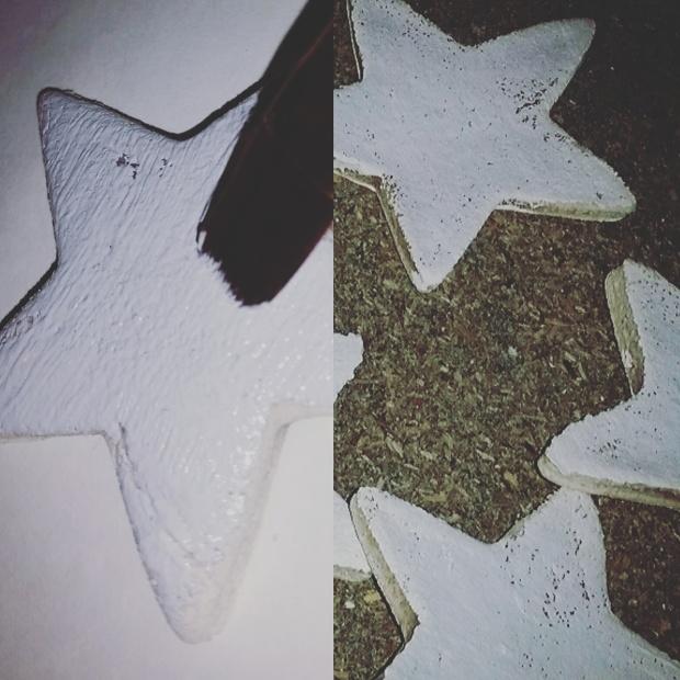 Un fois les étoiles refroidies, on passe à la peinture... donc même si ça à jaunie un peu c'est pas grave par contre si c'est marron c'est râté...