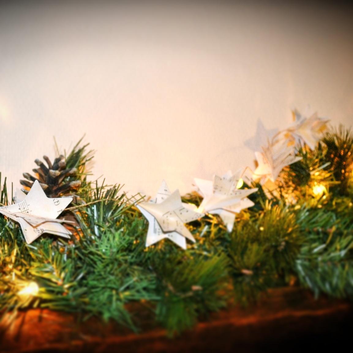 #B88C13 La Décoration De Noël En Papier Danslamaisondelo 6189 Decoration De Table De Noel Facile A Realiser 1153x1153 px @ aertt.com