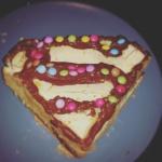 http://www.amazon.fr/cuisson-silicone-moule-Superman-Logo/dp/B00N9NDHH8/ref=sr_1_2?ie=UTF8&qid=1450173956&sr=8-2&keywords=moule+%C3%A0+gateau+superman